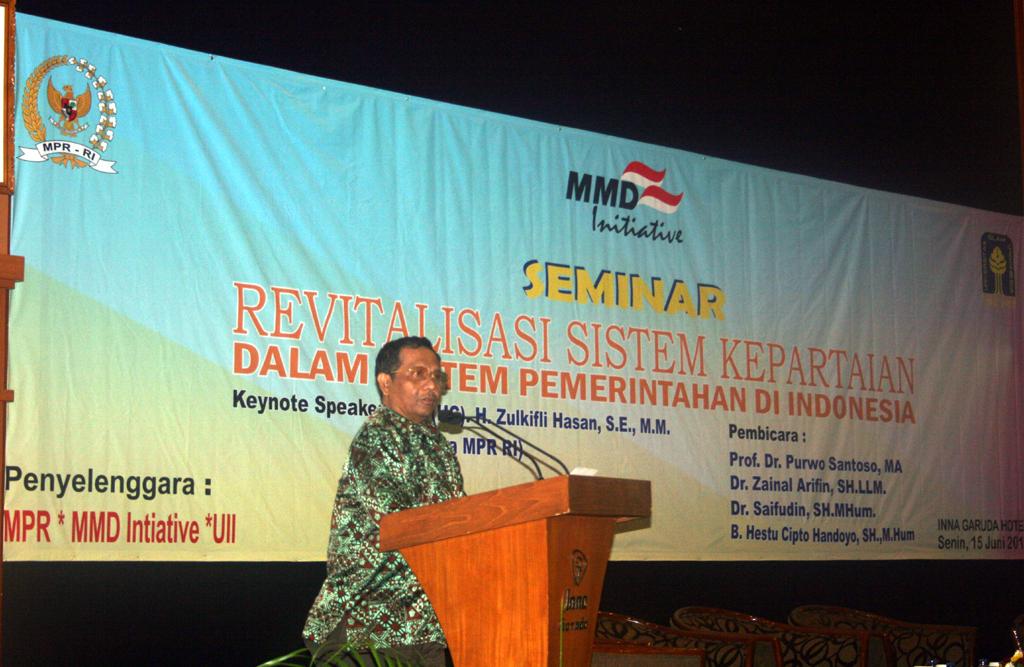 Seminar Nasional tentang Kebijakan Partai Politik